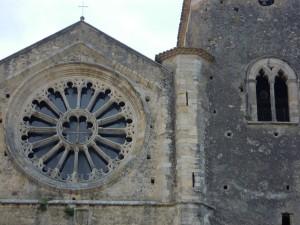 Il bellissimo rosone e parte del campanile del Duomo di Altomonte