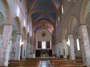 L'interno della cattedrale di San Marco Argentano